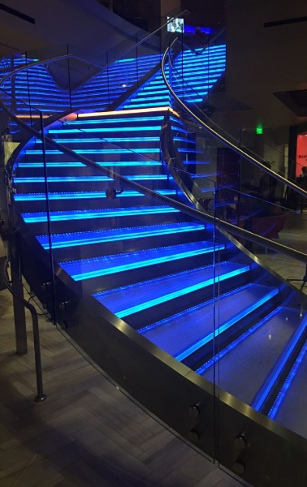 iwc 2018 lit staircase