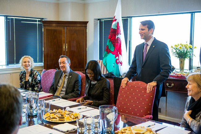 First Minister of Wales Visit 5-Greeting