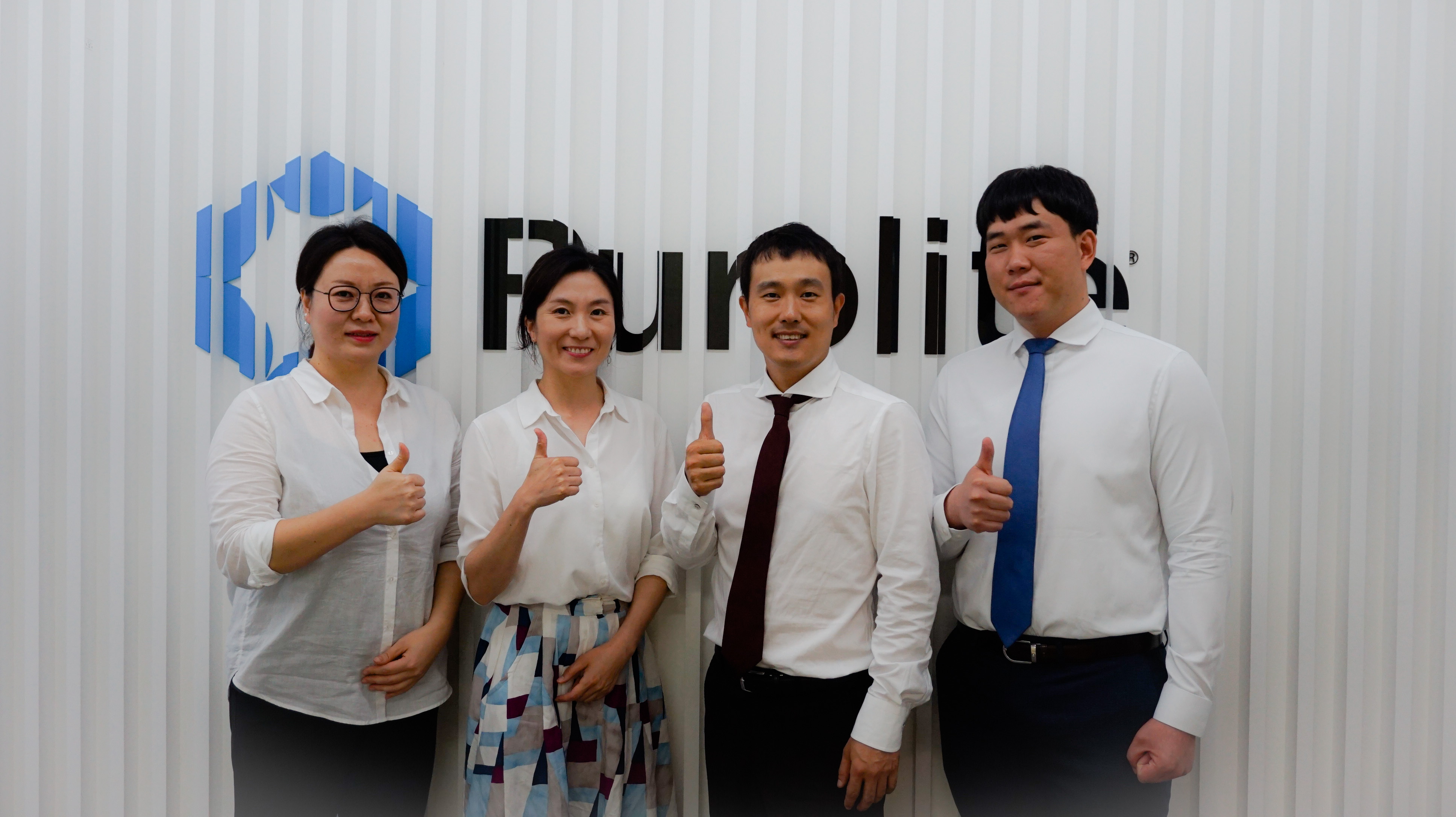 Korea office thumbs up